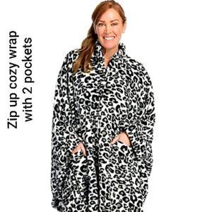 ❗Brand New❗ Women's Oversized Cozy Wrap